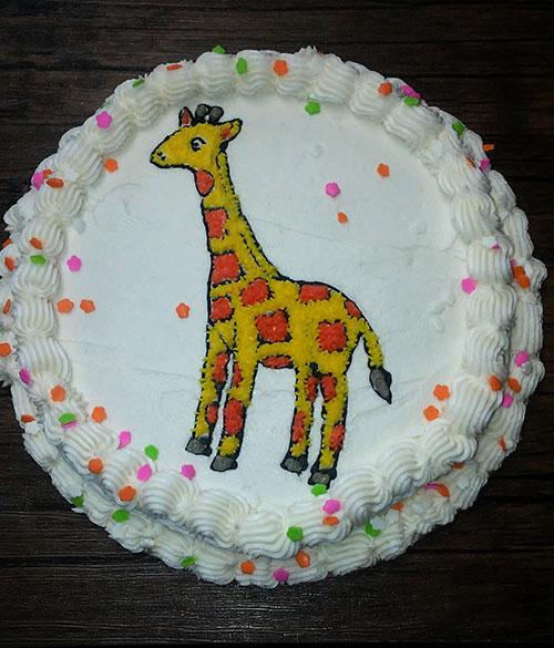 Birthday cake with giraffe